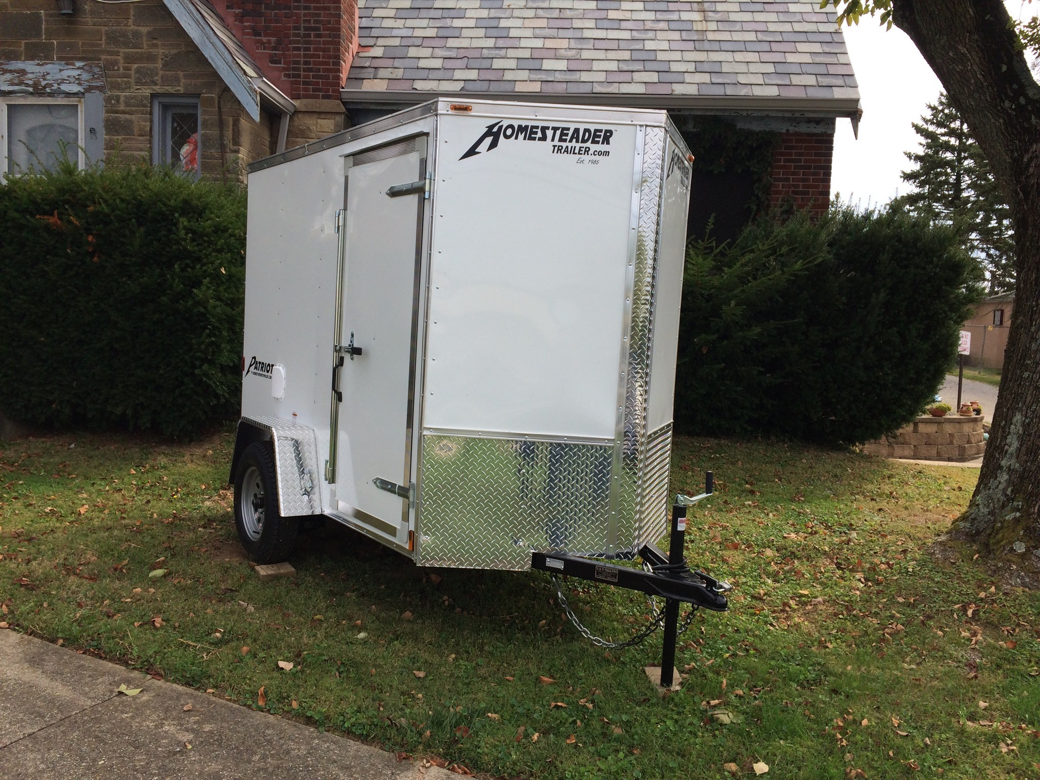 5X8 Homesteader Intrepid Enclosed Trailer