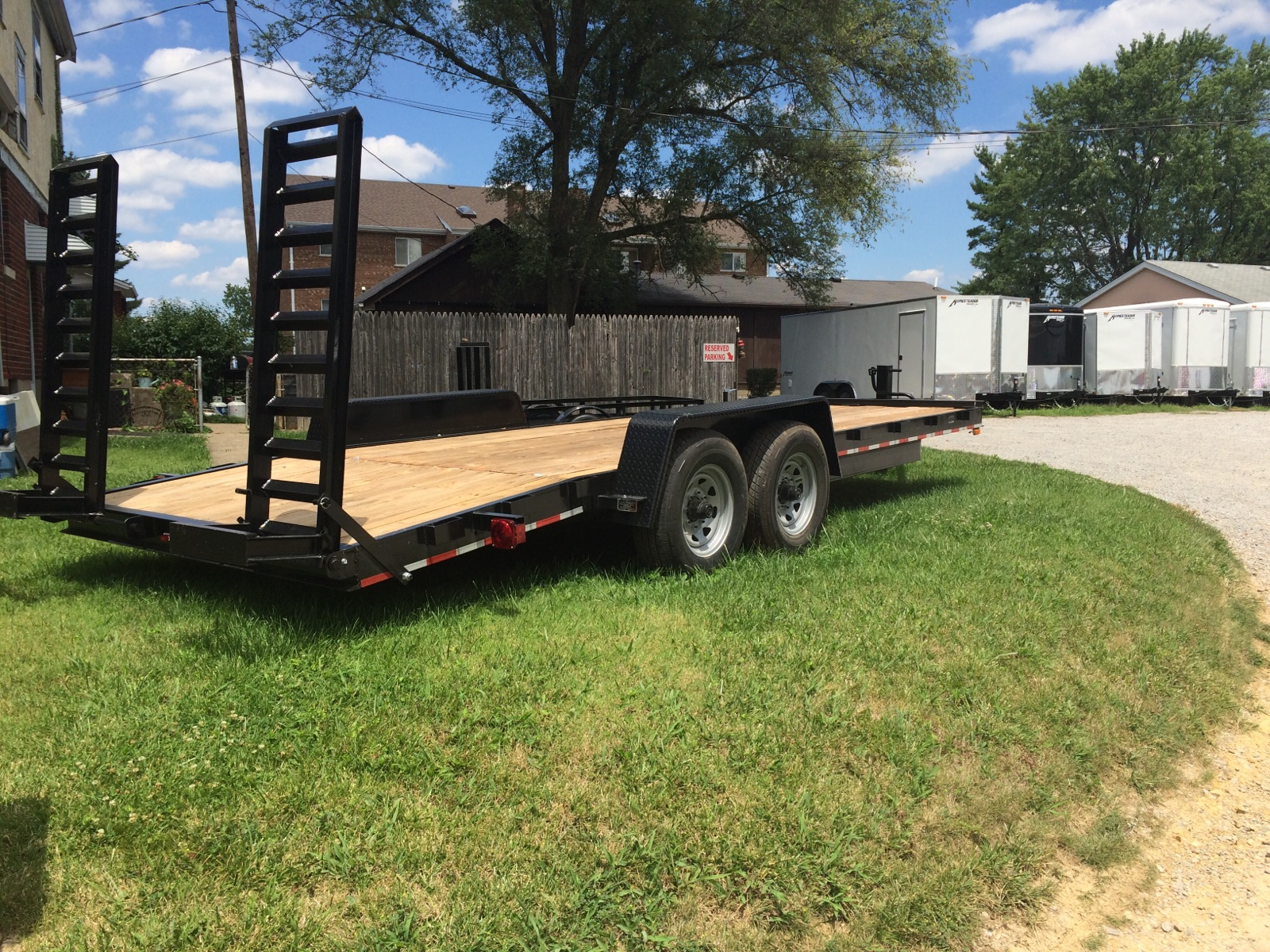 18' 10,000GVRW equipment trailer
